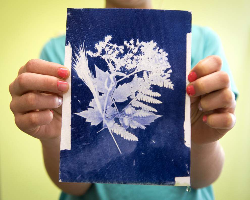 Photos: Bluebonnet Swamp hosts kids event showing how to make cyanotype prints _lowres
