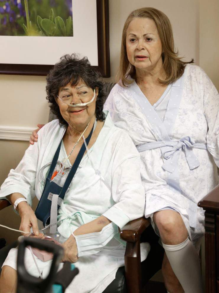 2 sisters get lung transplants from same donor _lowres