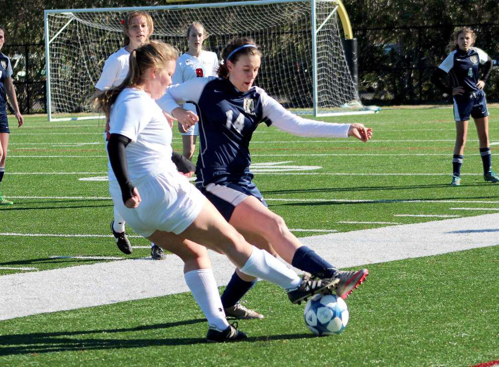 Sacred Heart shuts out Lusher in girls soccer playoffs _lowres