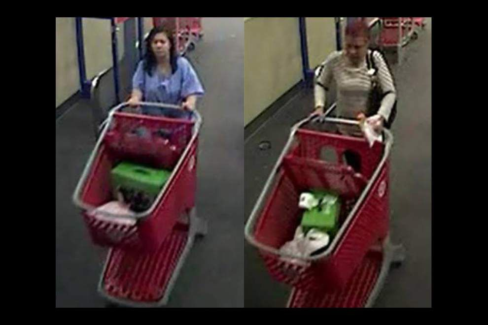 Two women sought for using stolen credit and debit cards for purchases at Target and Macy's in East Baton Rouge _lowres