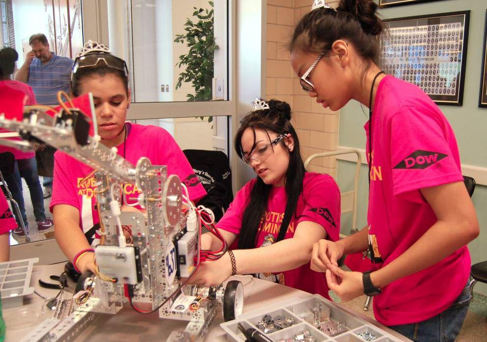 St. Mary's Dominican High School is host for robotics league competition _lowres