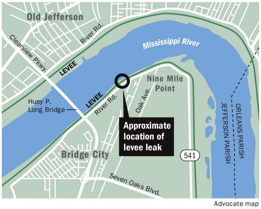 Nine Mile Point residents concerned about levee seepage _lowres
