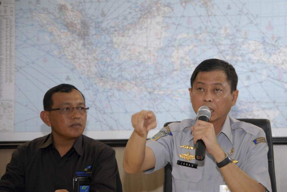Search expands for missing AirAsia passenger jet _lowres