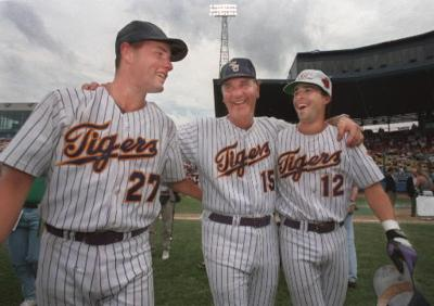 Todd Walker to be inducted in the Omaha College Baseball Hall of Fame