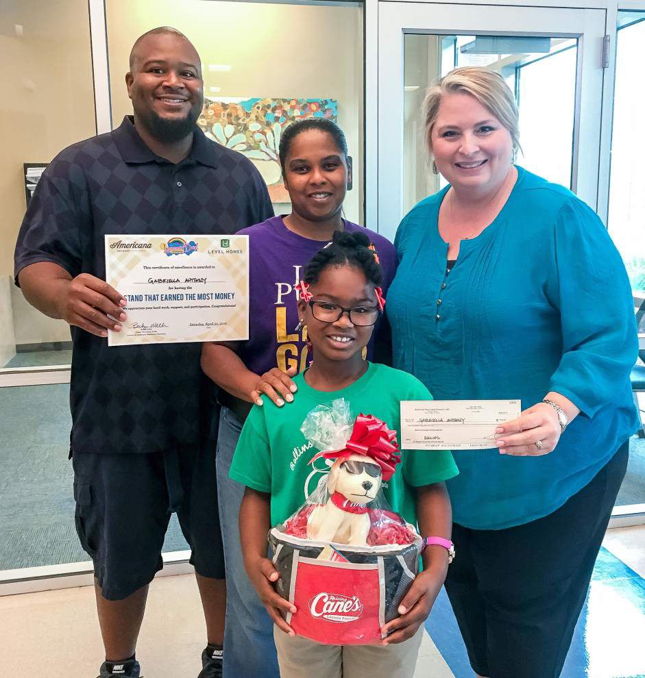 Lemonade Day winners named in Zachary event _lowres