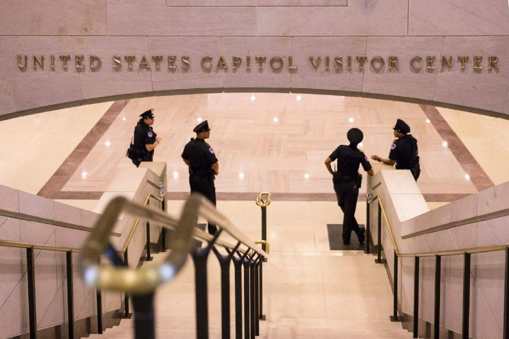 Gunman in custody after shots fired in U.S. Capitol complex; injuries unclear _lowres