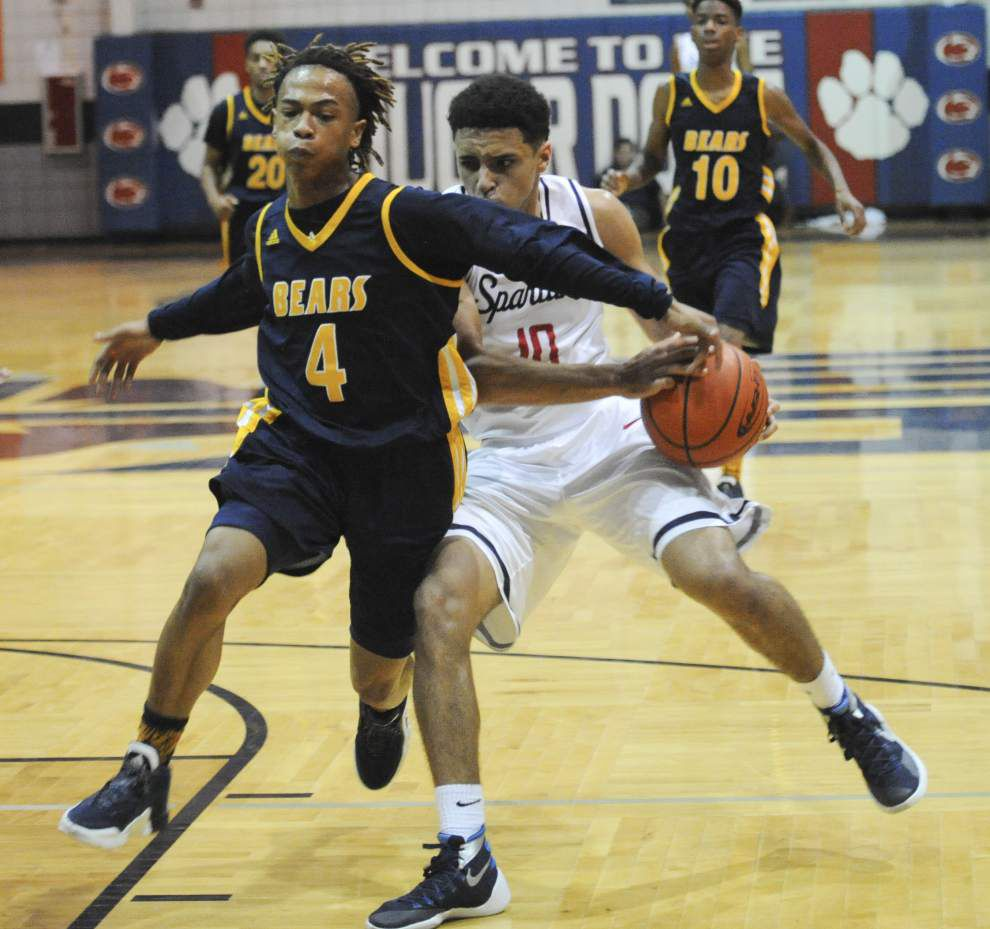 Carencro outlasts Comeaux _lowres