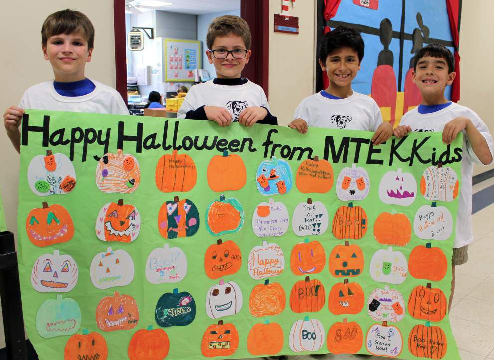 Mandeville K-Kids show support for Children's Hospital patients _lowres