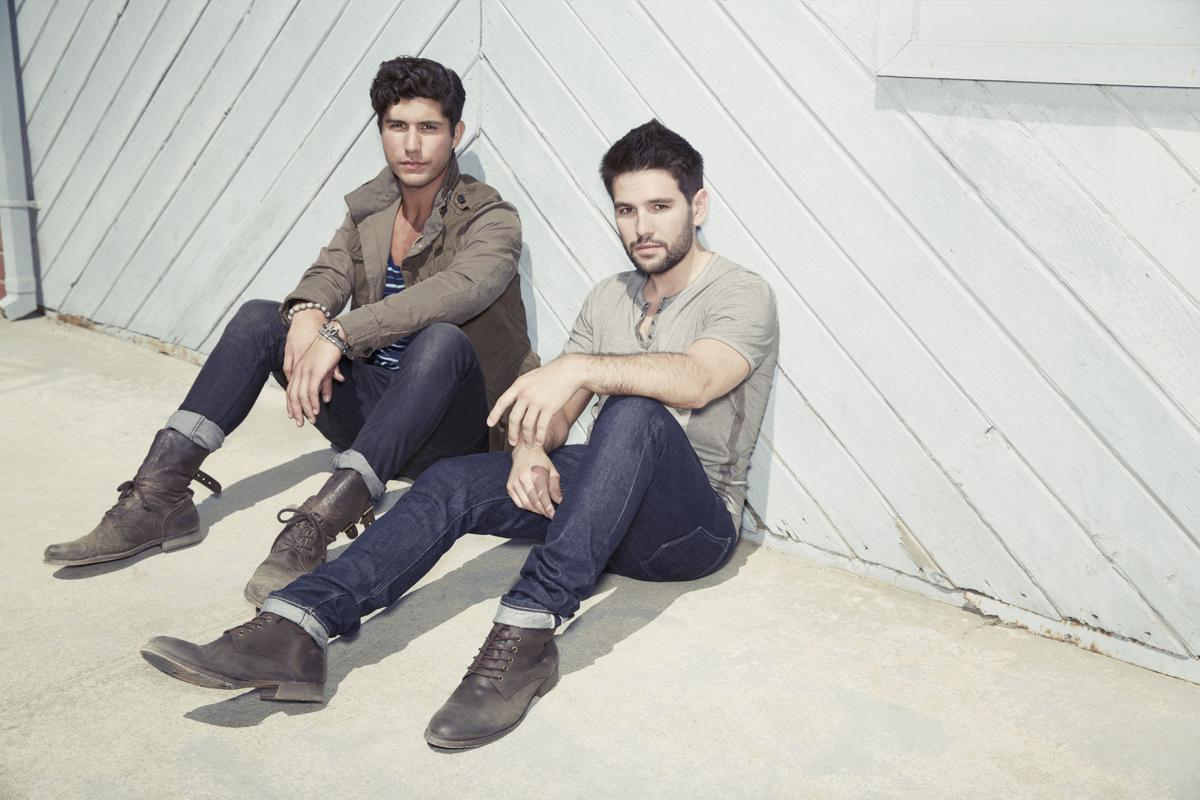 DAN + SHAY (copy)