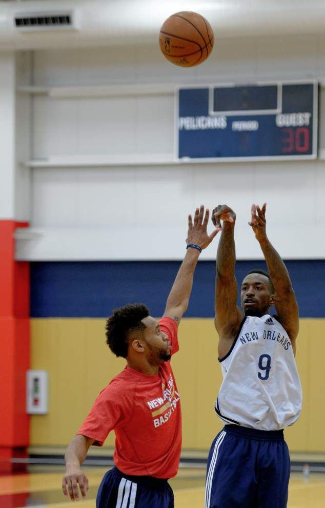 For some Pelicans, preseason opener in Louisville is like a homecoming _lowres