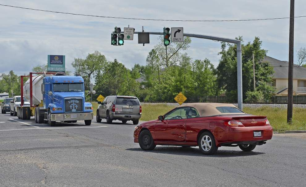 Video update: Some welcome relief as Nicholson gets new left-turn arrows at bustling Brightside, West Lee intersection _lowres