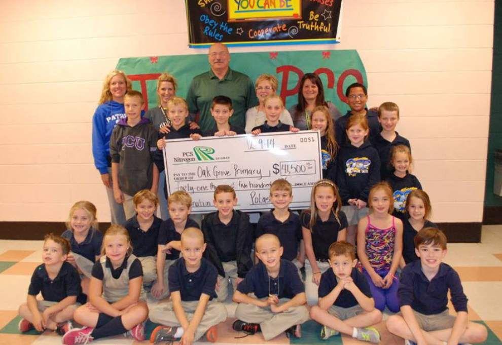 PCS Nitrogen makes donation to Oak Grove _lowres