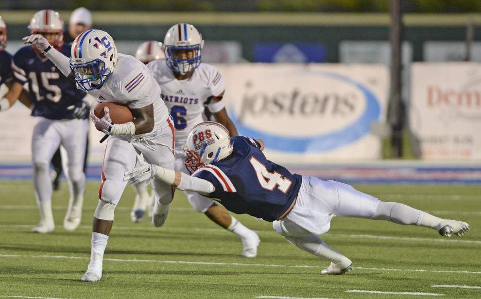 John Curtis runs away from Parkview for 41-14 win _lowres