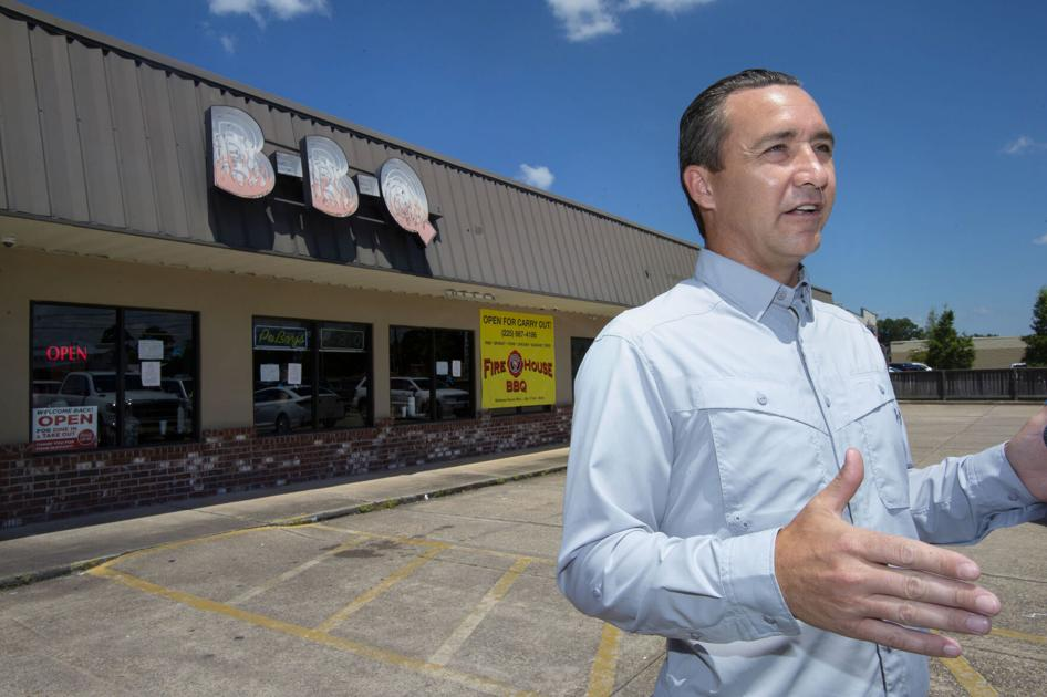 Tony Spell buys lunch at Denham Springs restaurant that lost permit, calls state crackdown 'tyrannical'