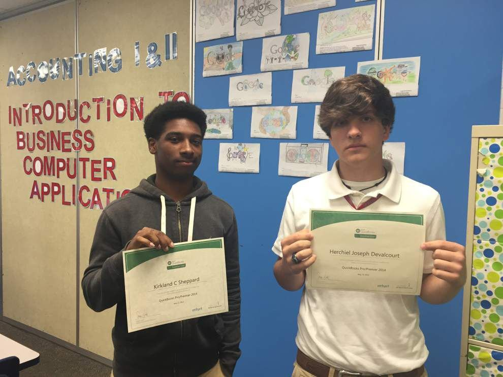Students ace accounting certification _lowres