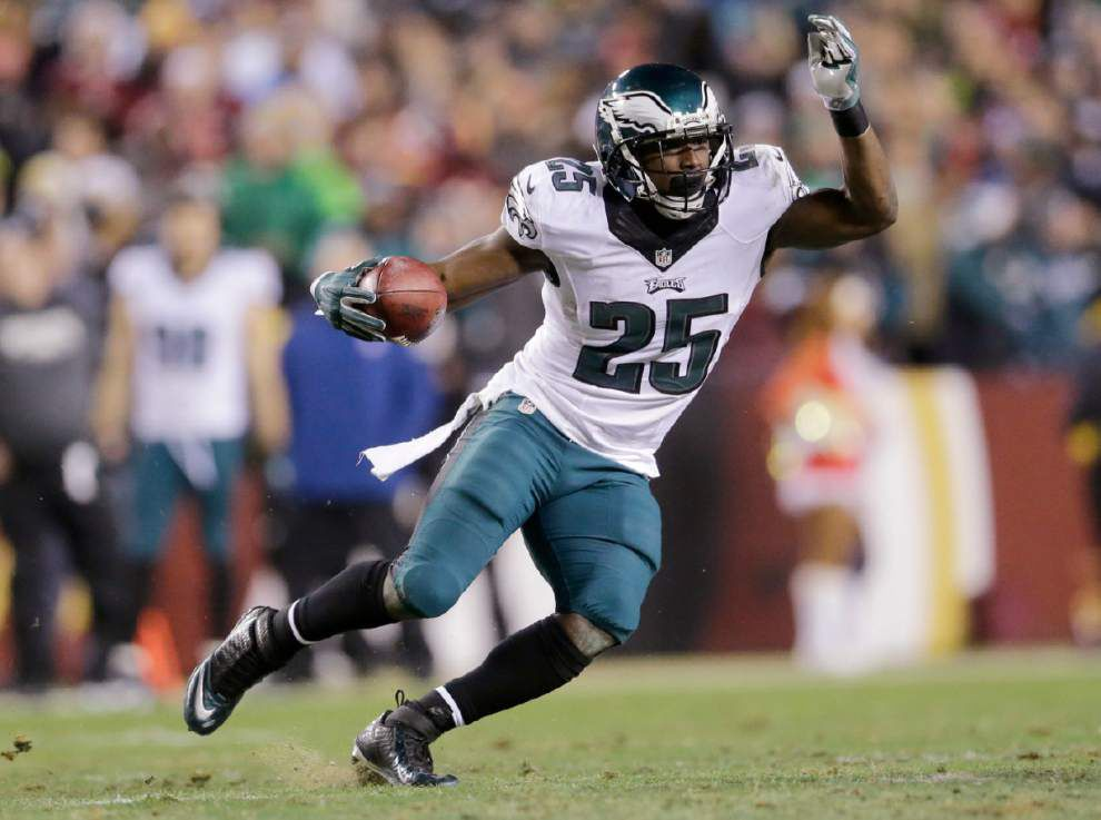 Eagles deal running back LeSeaon McCoy for Bills linebacker Kiko Alonso, source says _lowres