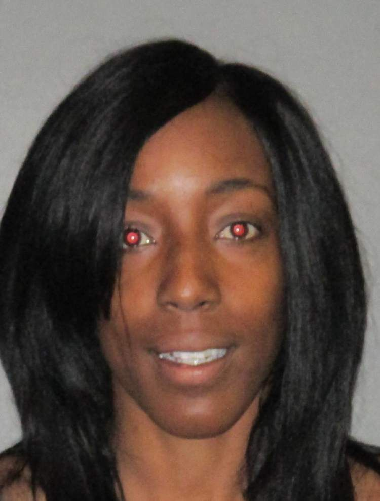 Baton Rouge police officer injured trying to arrest a woman accused of prostitution _lowres