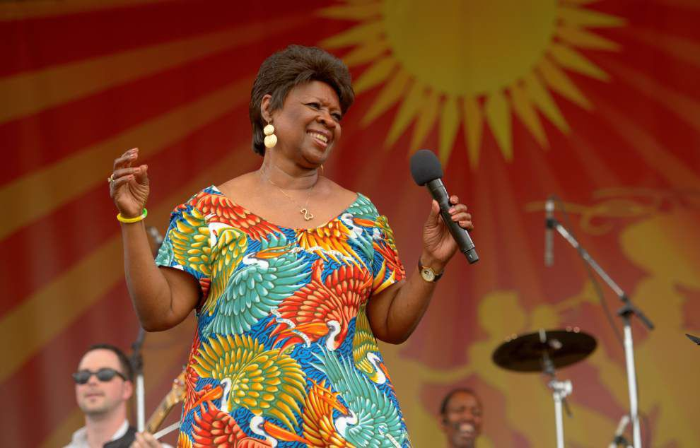Irma Thomas puts fans' backfields in motion at Acura Stage _lowres
