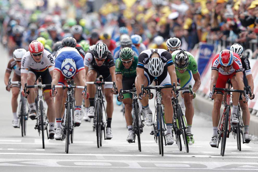 Kittel wins 4th stage; Froome injured _lowres