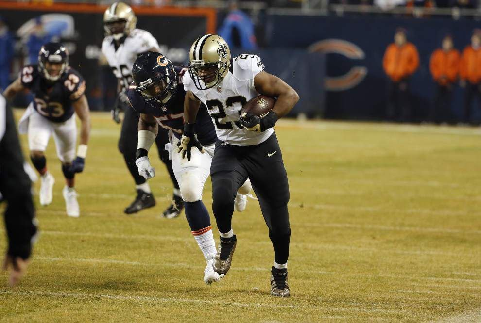 Saints move back atop the NFC South by manhandling the Bears 31-15 _lowres