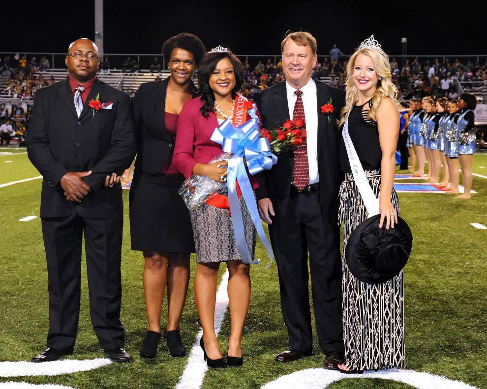 Allegra Slaughter crowned queen at Zachary High _lowres