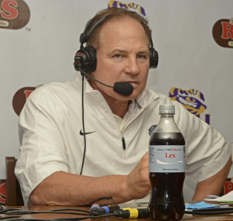 An emotional LSU coach Les Miles call-in brings out tears: 'We're not going to let you leave town' _lowres