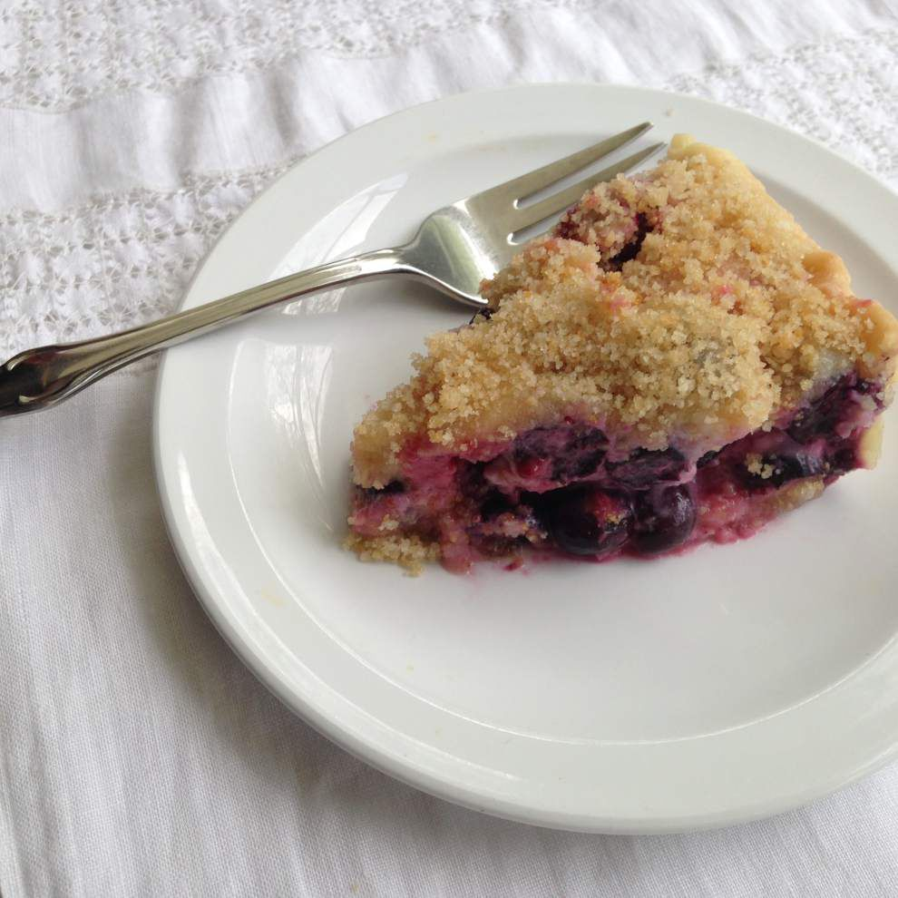 Side Dish: Mixed Berry Pie _lowres