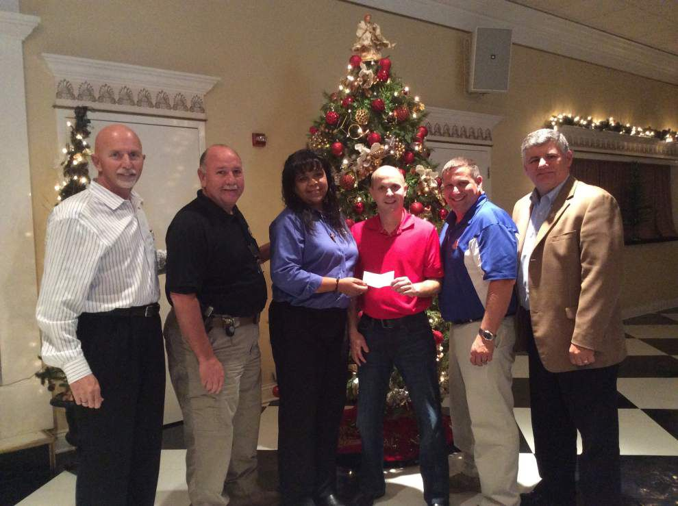 Industrial group helps with Christmas Crusade _lowres