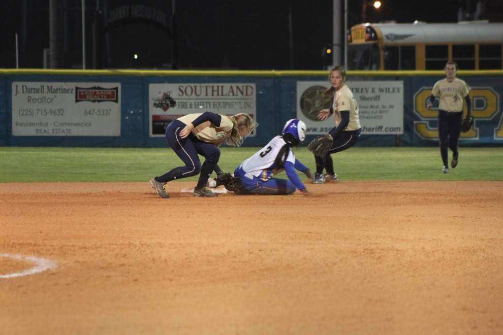 East Ascension softball player Carmisha Payton hopes to go out on top _lowres