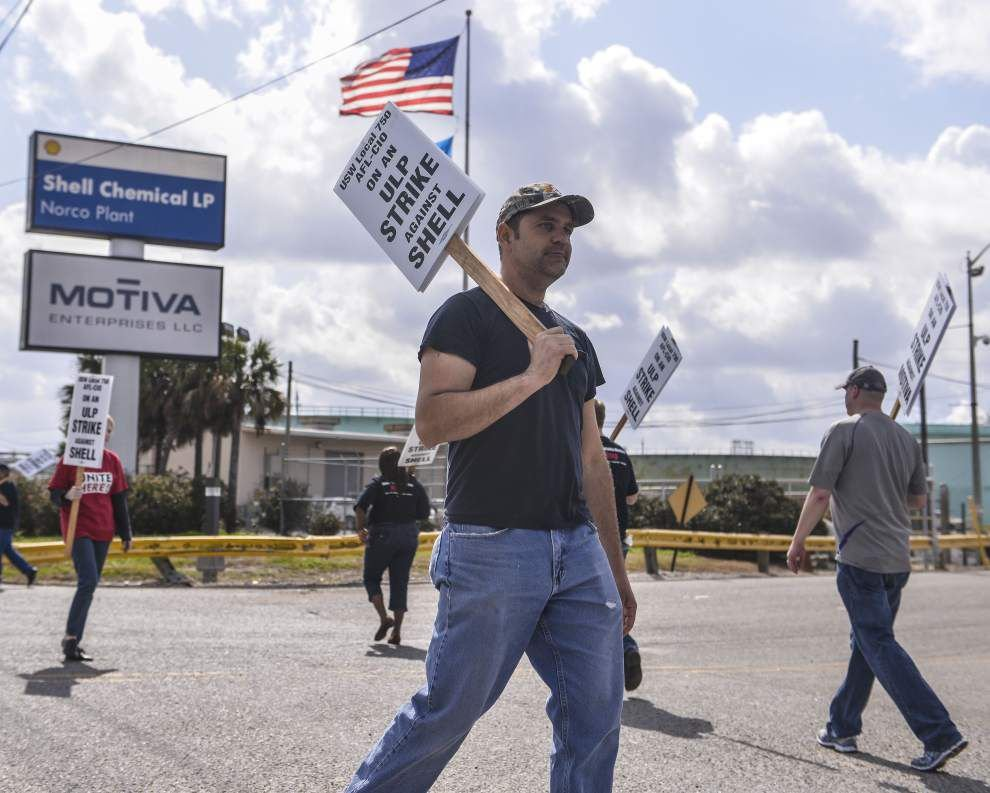 Union reaches labor contract with Shell Oil after strikes at Louisiana and other refineries _lowres