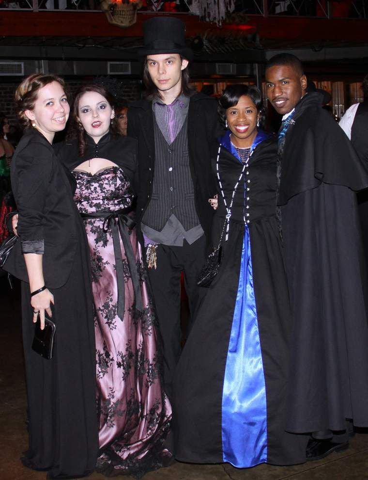 Vampire author Anne Rice's devotees flock to Halloween ball _lowres