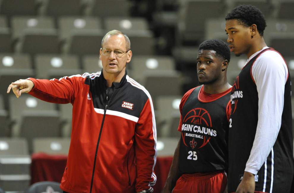 Ragin' Cajuns face tall order in Anteaters _lowres