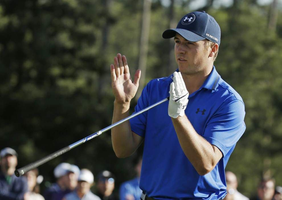 Jordan Spieth still leads the way after a blustery Friday at the Masters _lowres