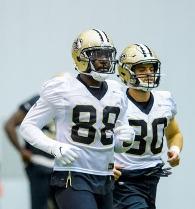 Report  Dez Bryant might ve torn his Achilles in Saints practice Friday 67fff1a8f
