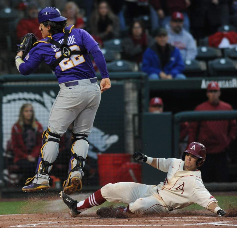 Chilly on the mound and at the plate, LSU slumps to a 5-1 loss at Arkansas _lowres