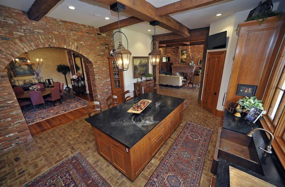 Twin Oaks Twin: St. Francisville couple finds just the right home to copy in nearby Natchez _lowres