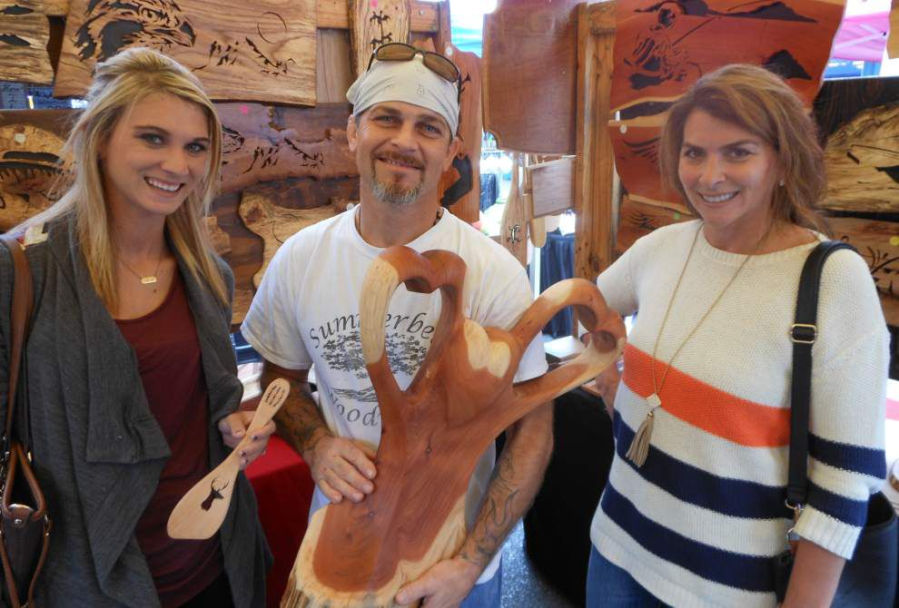 Thousands turn out for Denham Antiques Festival _lowres