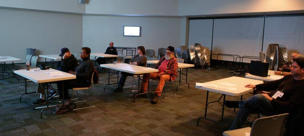 Group holds its first HAM radio class _lowres