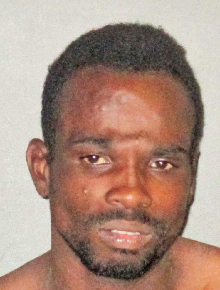 Baton Rouge man steals beer, spits on store employee, officer, lands in jail, police say _lowres
