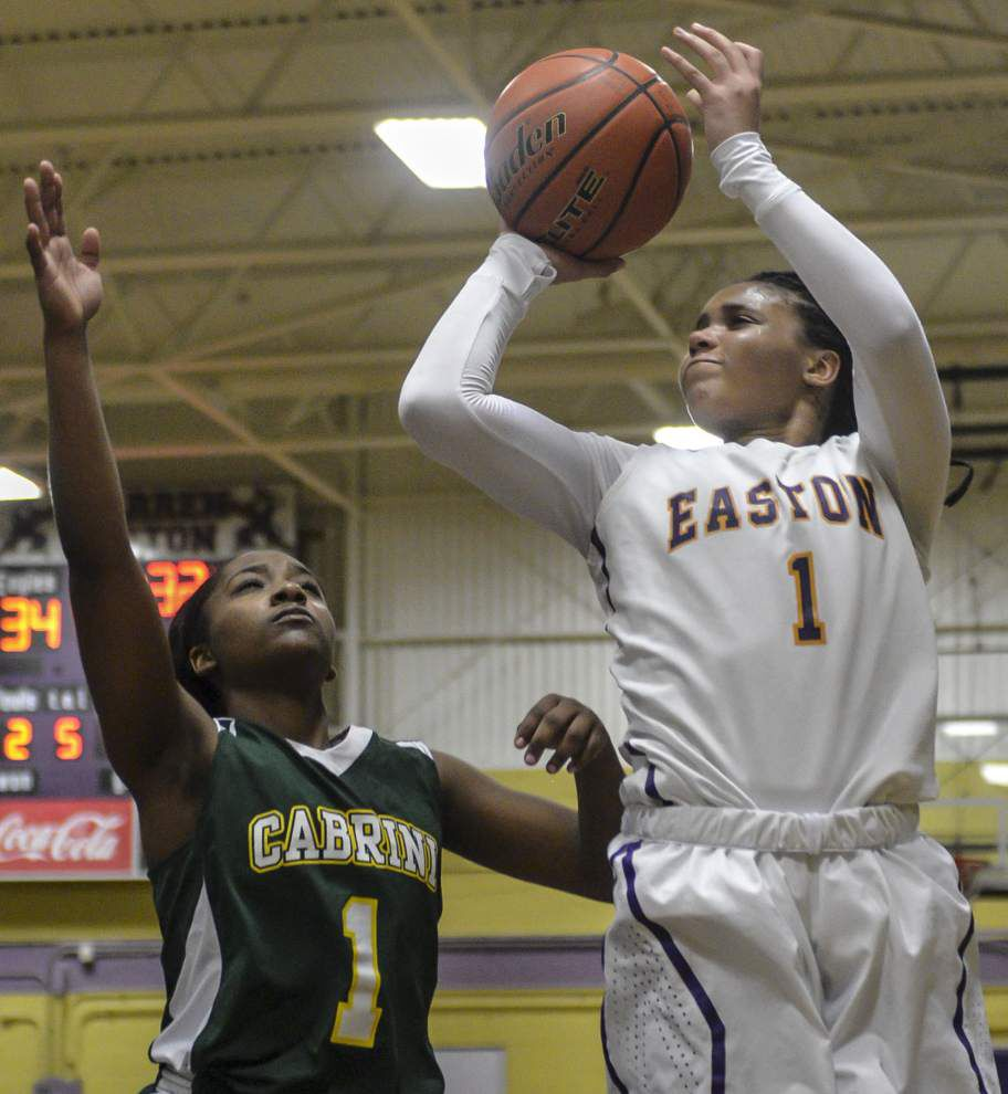 Shaquina Tobias' free throws spark Warren Easton over Cabrini _lowres