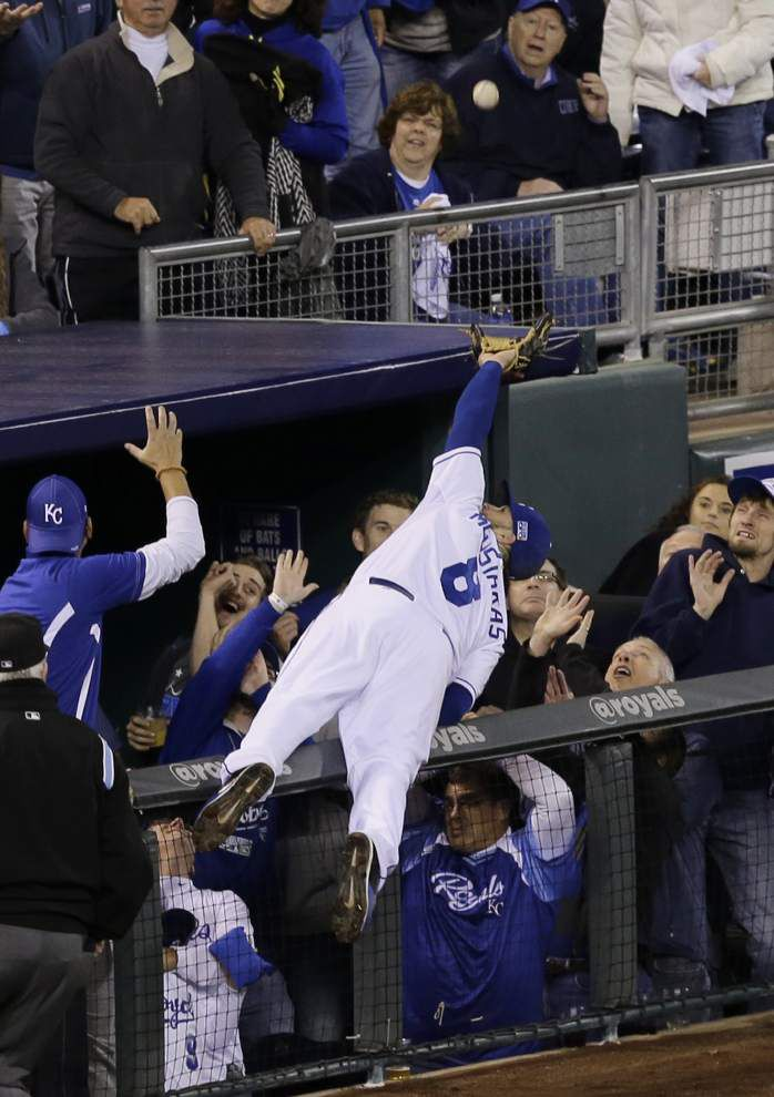 Royals edge Orioles 2-1 to take 3-0 lead in ALCS _lowres