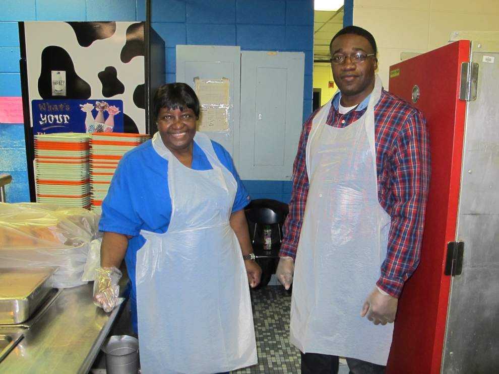 School Board members help in cafeterias _lowres
