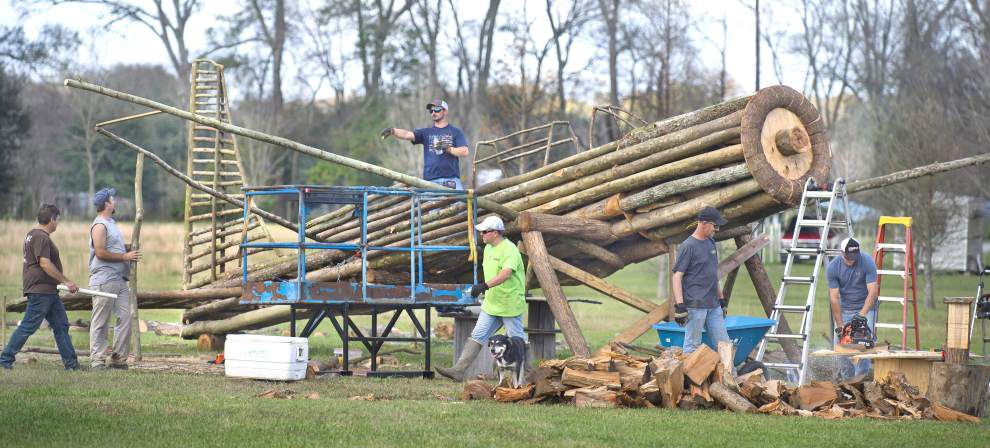 Fiery tradition rages on for Gonzales families _lowres