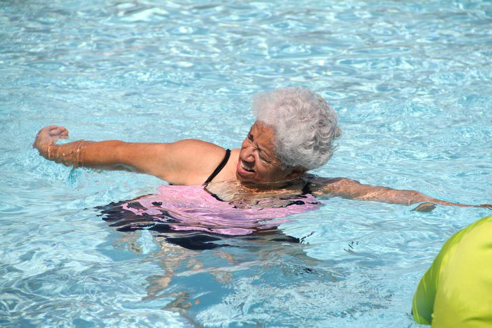 Seniors ride popular wave of aquatic fitness _lowres