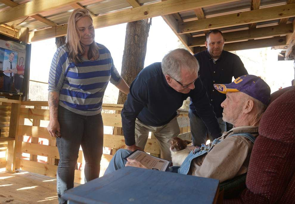 Hospice of Baton Rouge welcomes veterans to spend time with veteran patients _lowres