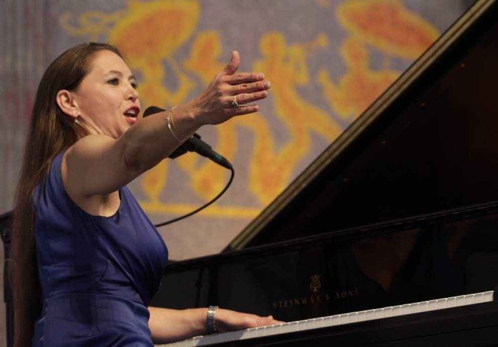 Brassy pianist Eden Brent gets fans dancing _lowres