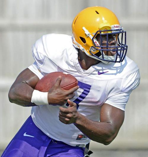 CAMP REPORT: Fournette has 'long' run, but how long? Details hazy _lowres