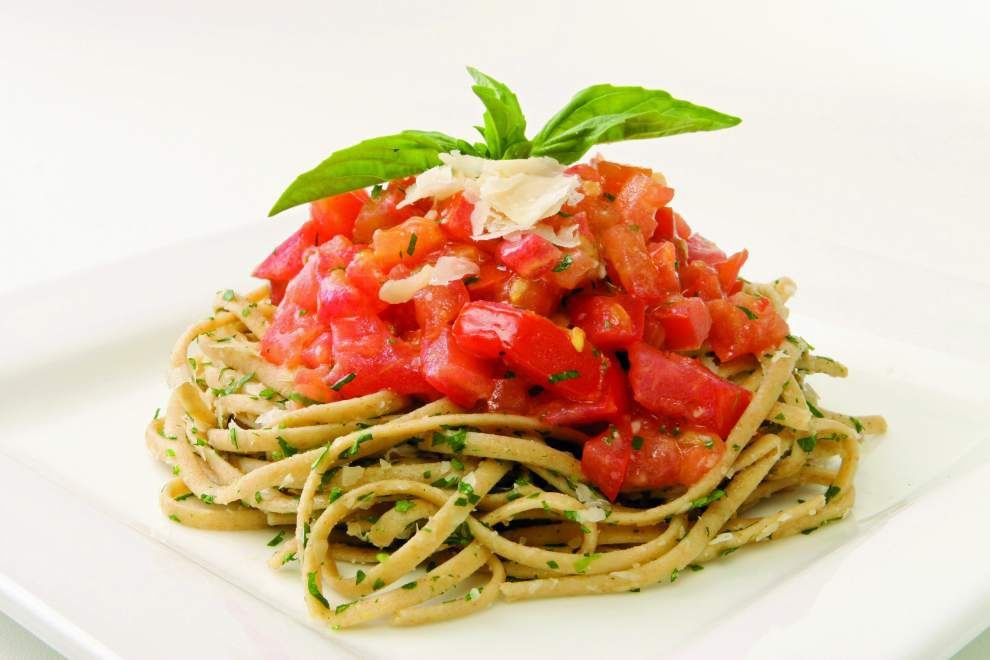 Gourmet Galley: Fresh Tomato Linguini _lowres