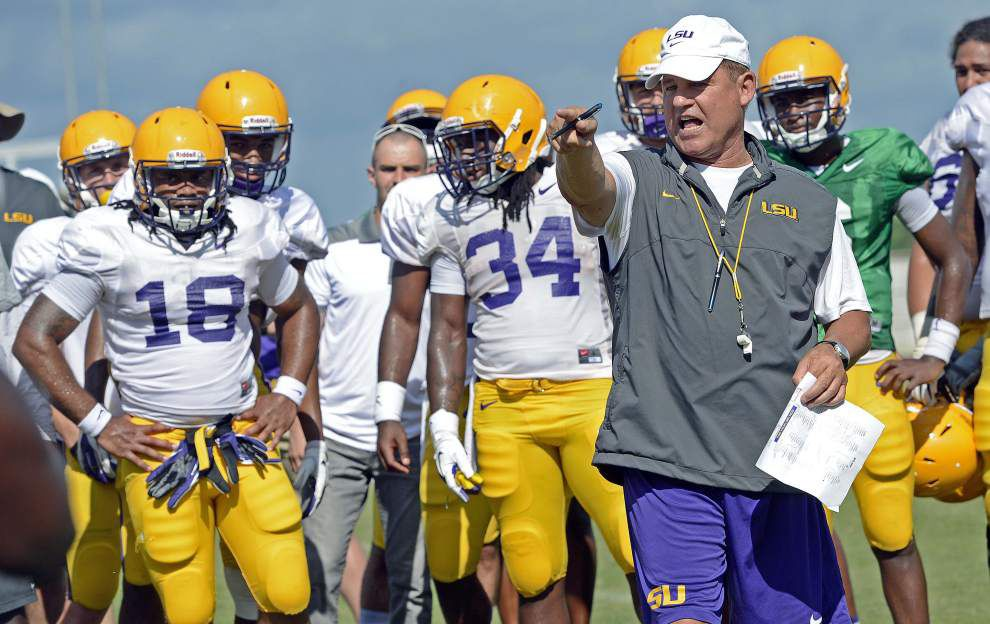 Live updates during Les Miles' Monday lunch press conference at 12:30 p.m. _lowres
