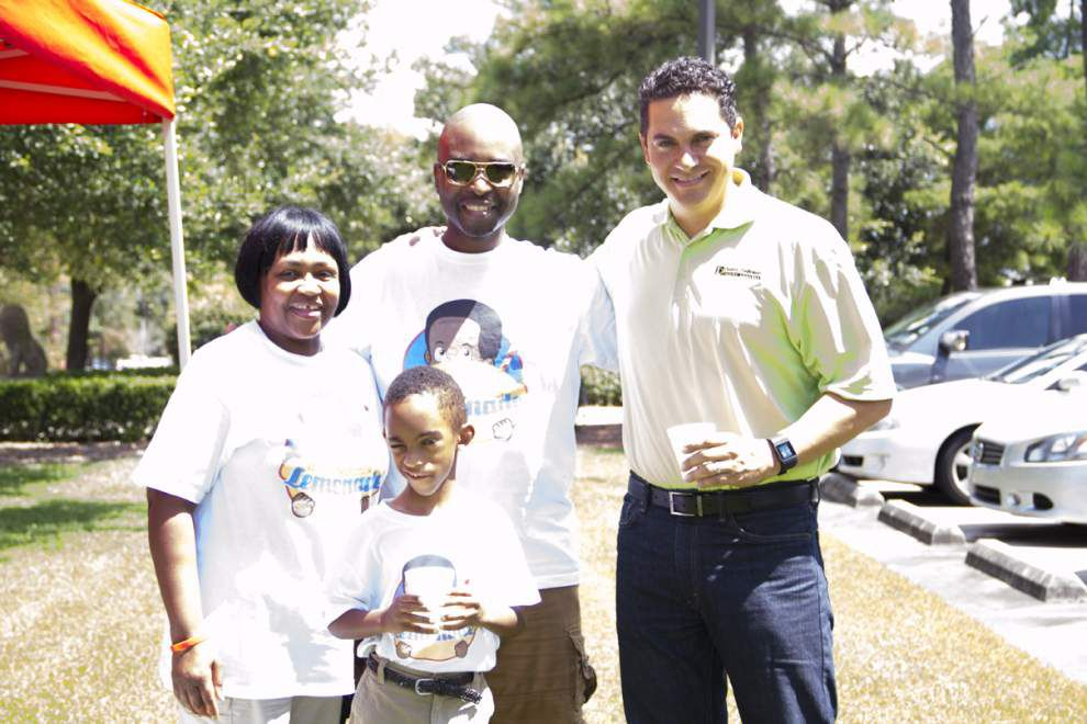 Local law firm's Free Lemonade Day supports Children's Hospital _lowres